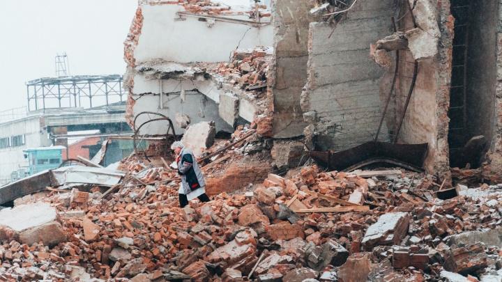 Обрушение здания в Старом Кировске в десяти фотографиях