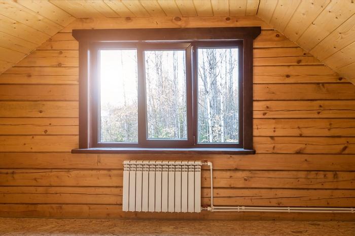 Компания «СтеклоДом» устанавливает окна в деревянных и каменных домах