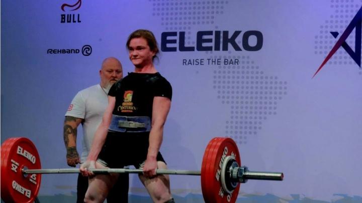 «Стремление бешеное»: молодая сибирячка поставила мировые рекорды и взяла медаль чемпионата в ОАЭ