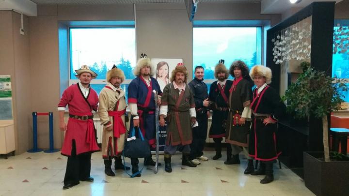 В уфимском аэропорту встретились необычные пассажиры