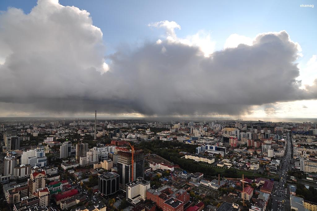 """""""В северном сиянии и с самолетом"""": уральский фотограф сделал 72 потрясающие панорамы с телебашней (фото)"""
