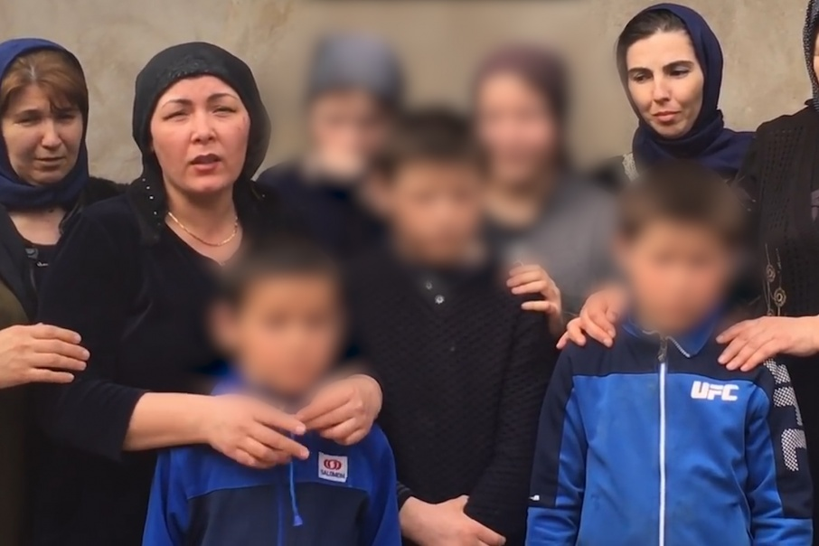 Записать обращение к президенту вместе с женой и детьми скончавшегося таксиста вышли многие жительницы дагестанского села