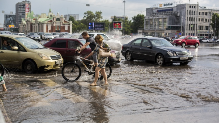 Жары не будет: в Новосибирск идут ливни с порывистым ветром