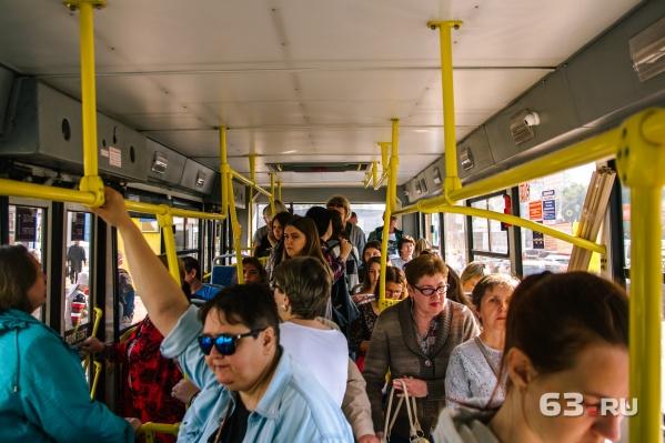 Власти уверяют, что автобусы справляются