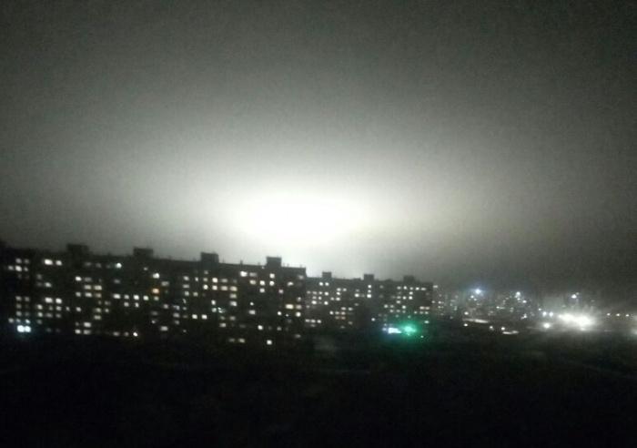Фотография сделана из дома по адресу улица Спортивная, 23 около 9 часов вечера