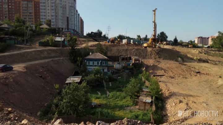 Из-за спорной земли в Николаевке остановлено строительство теплотрассы и введен режим ЧС
