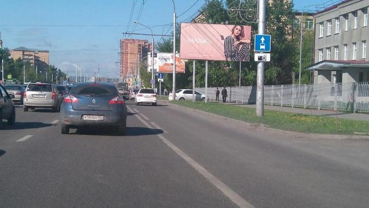 «Знаки уже вывешены»: дорожники обещали подумать об отмене «выделенок» до открытия Волочаевской
