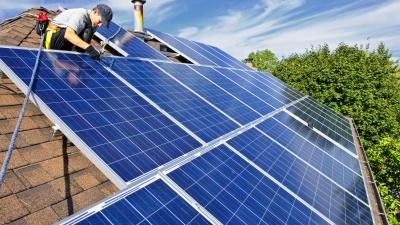 Солнце в помощь: как провести электричество в загородном доме