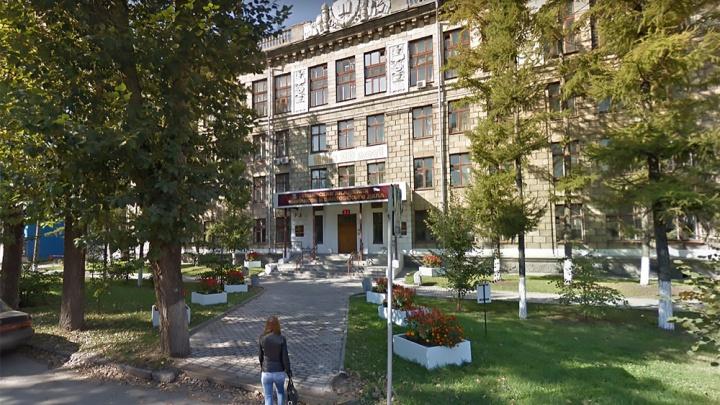 Новосибирский финансовый вуз остался без аккредитации