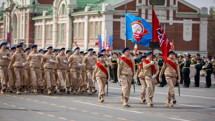 Три дня перекрытий: военные проведут масштабные репетиции парада на площади Ленина