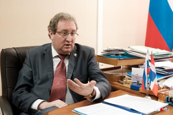 Омбудсмен считает, что в школе не должны нарушать конституционные права детей