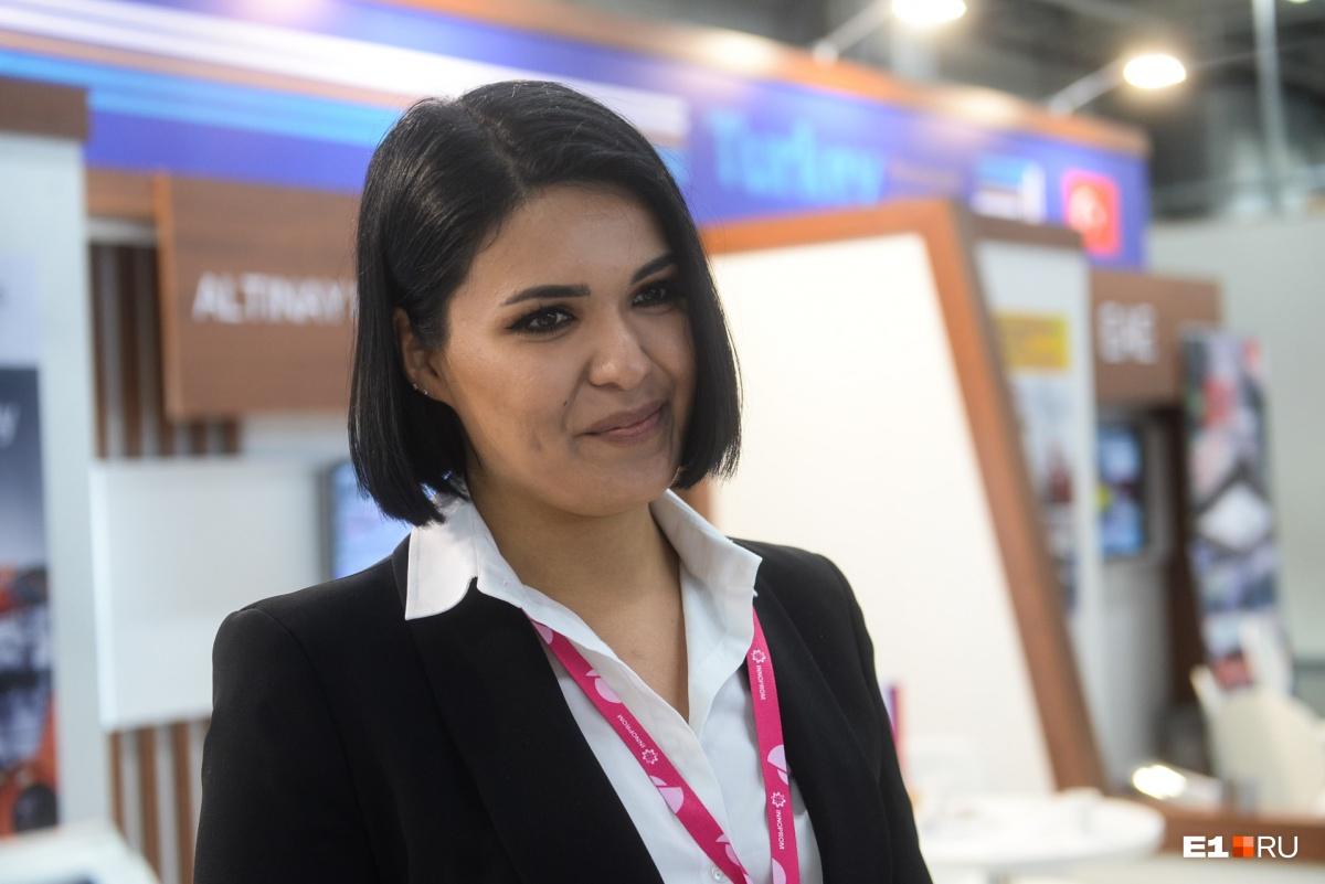 Красавица Махри родом из Туркмении