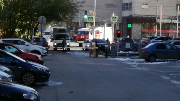 Арбитражный суд эвакуировали из-за звонка о чёрном пакете в машине на парковке