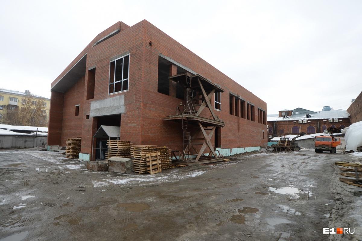 Коробка фондохранилища культурного центра «Эрмитаж-Урал» уже построена