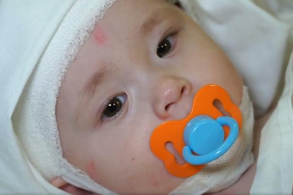 Магнитогорские врачи составят для малыша индивидуальный план лечения