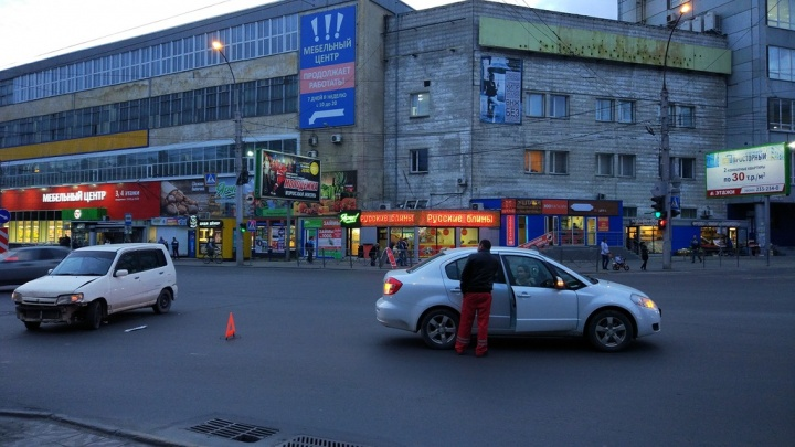 Каратель без страха: в Новосибирске появился водитель, который таранит чужие авто