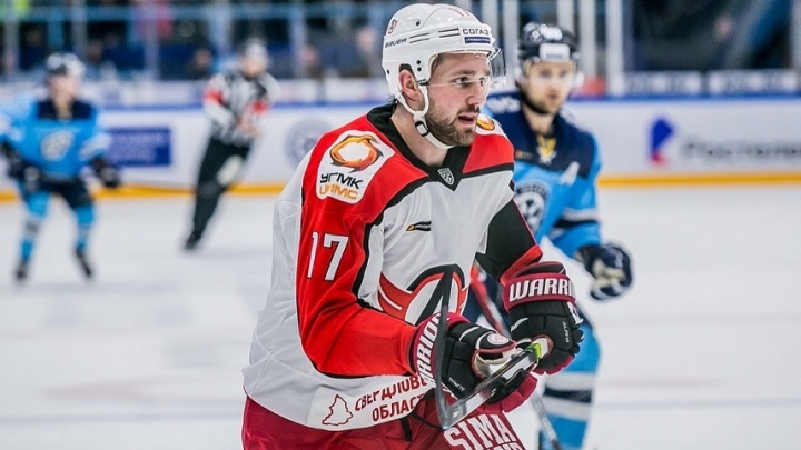 «Автомобилист» в Новосибирске в третий раз в сезоне проиграл своему потенциальному сопернику по плей-офф