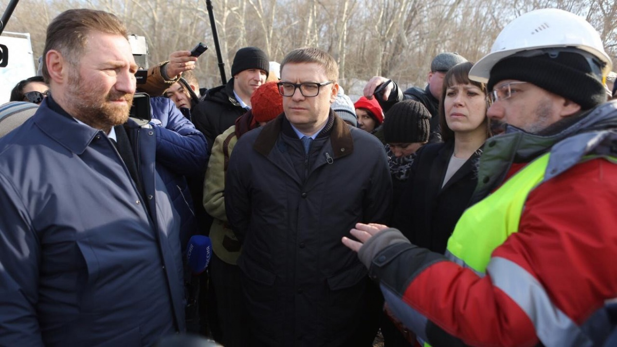 Совещание с временно исполняющим обязанности губернатора Челябинской области Алексеем Текслером состоялось во время его рабочей поездки в Коркинский район