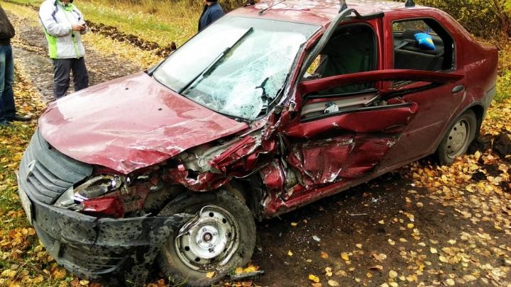 Под Екатеринбургом пожилой водитель, которому стало плохо за рулём, устроил лобовое ДТП
