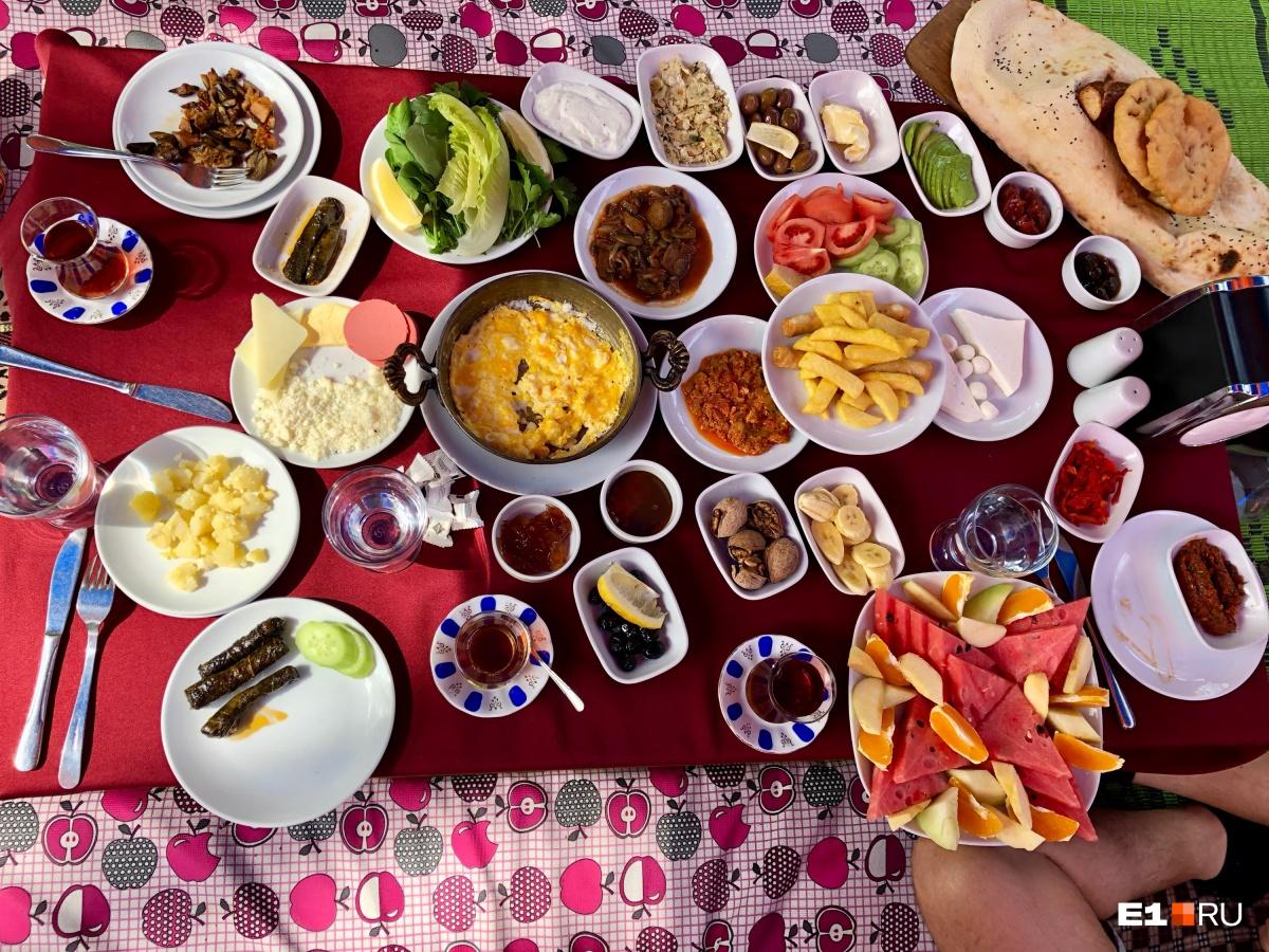 Настоящий турецкий завтрак. Заказать его можно за 600 рублей