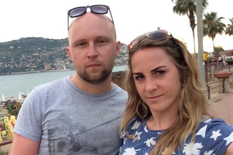 Пара полетела в отпуск на День влюблённых