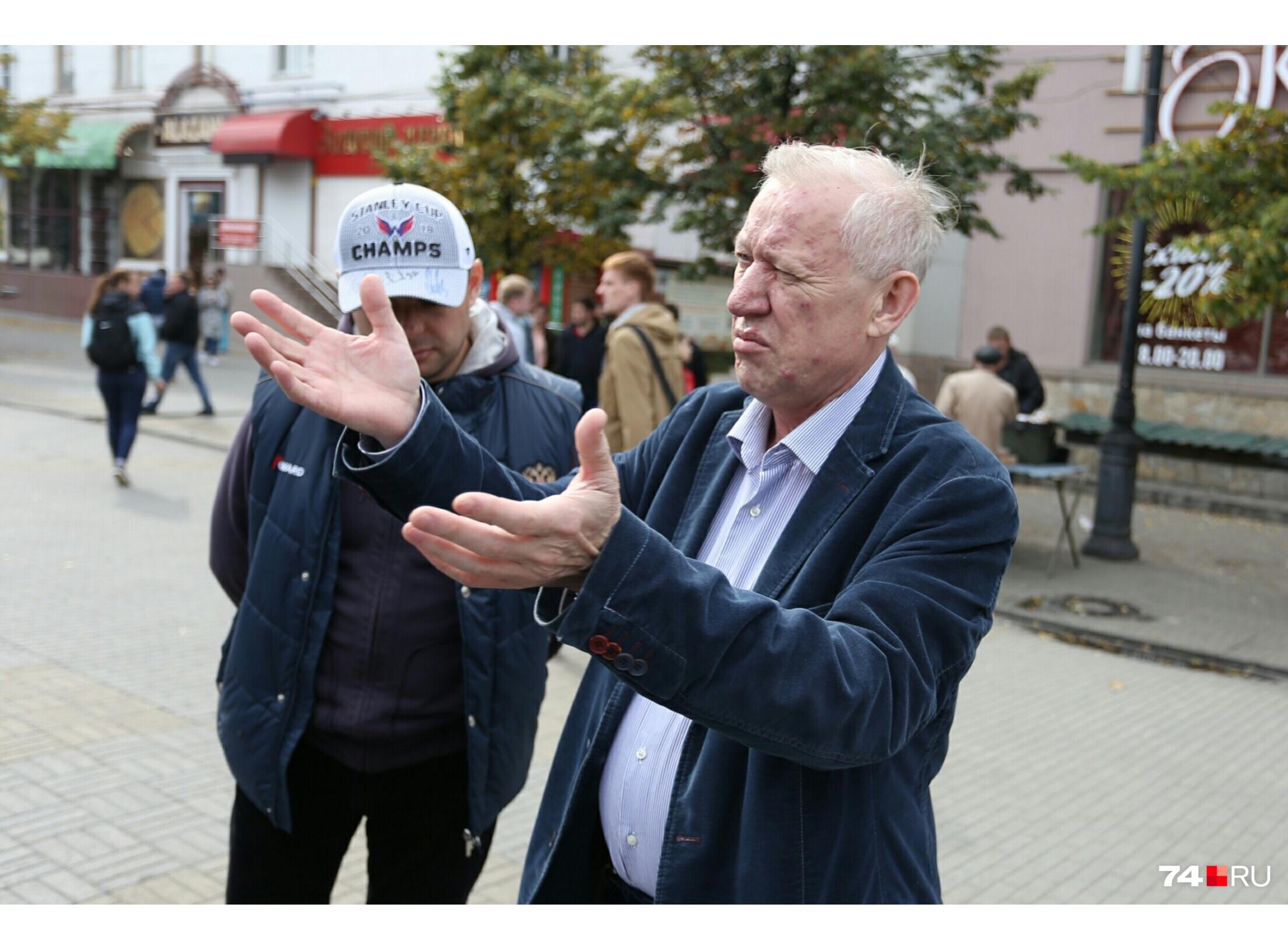 Мэр решил прогуляться по Кировке, Евгений Тефтелев в хорошем расположении духа