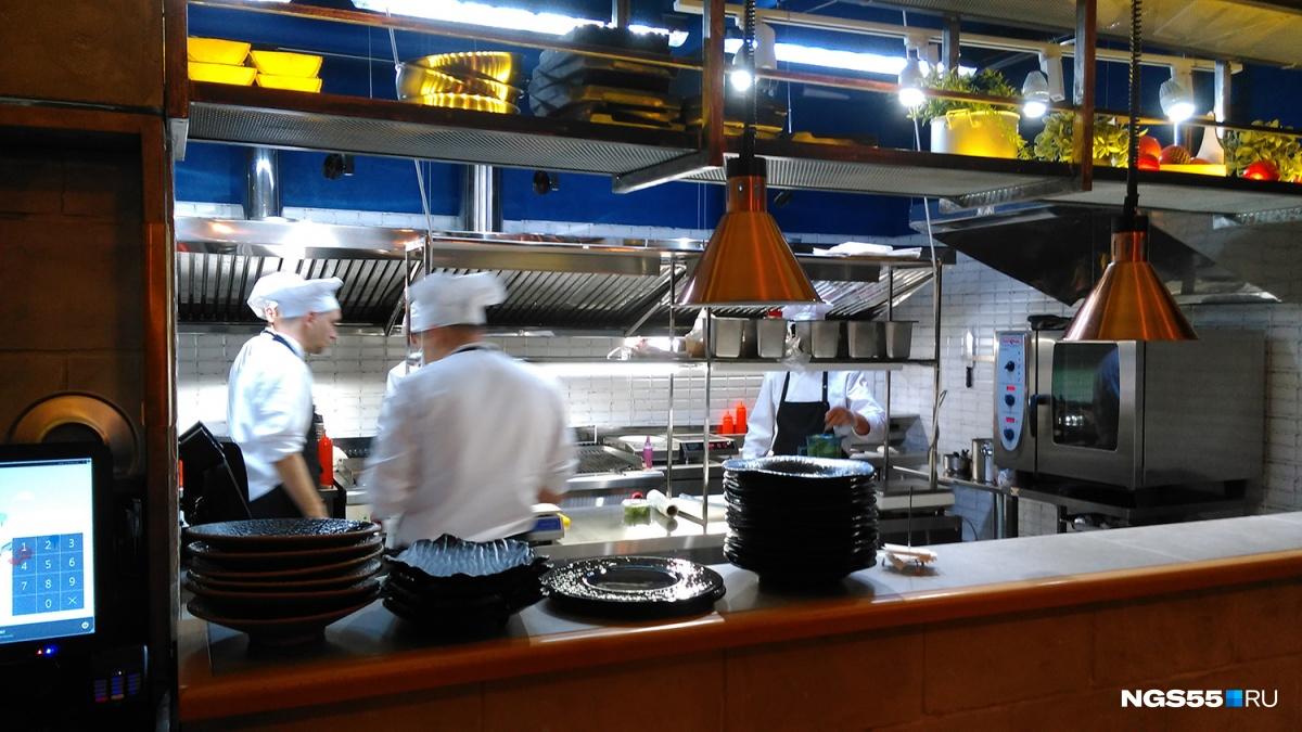 ВОмске открыли гастробар, вкотором будут кормить клиентов хищными моллюсками