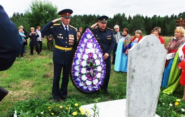 В Прикамье установили памятник пермскому солдату, останки которого поисковики нашли подо Ржевом