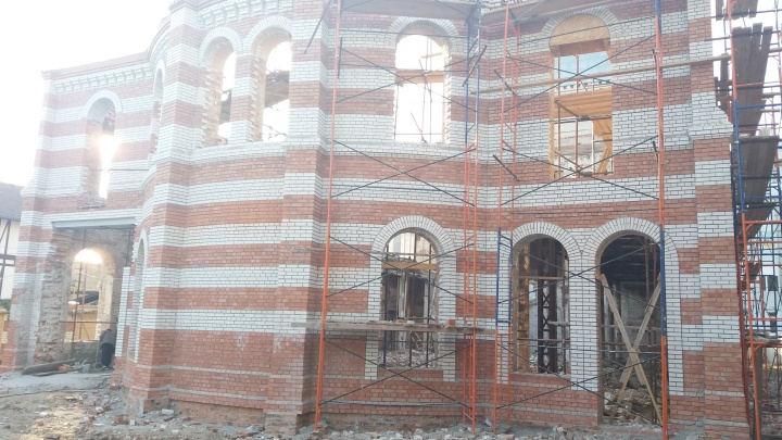 Строители воссоздали восточный фасад Самарской синагоги
