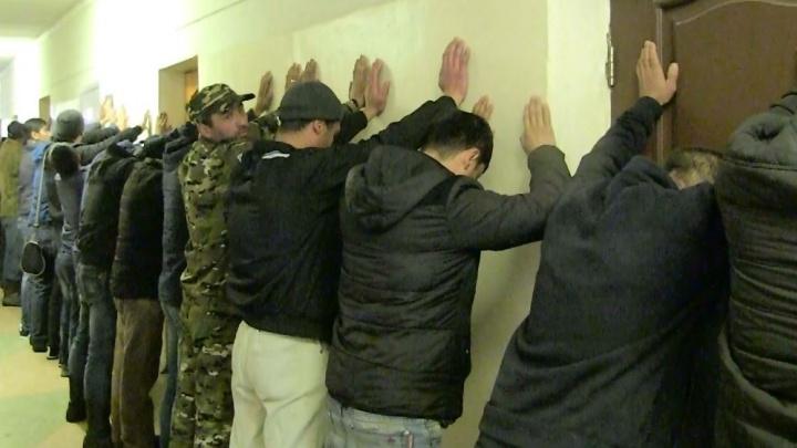 Полиция и ОМОН нагрянули на четвёртую овощебазу в Екатеринбурге
