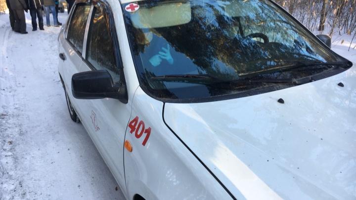 Жители блокировали медицинскую машину на въезде в карантинный центр под Челябинском
