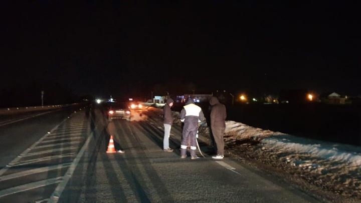 Очевидцы: на трассе Самара — Бугуруслан водитель Hyundai насмерть сбил пешехода