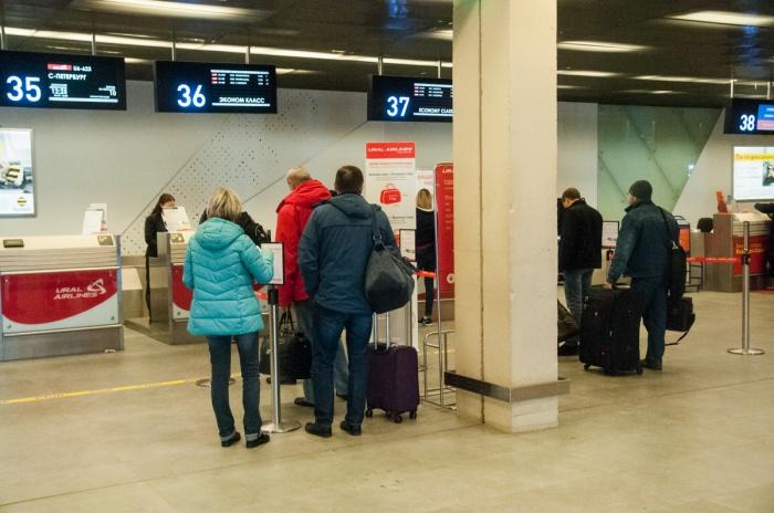 Стоять в очереди для сдачи багажа намного приятнее, когда знаешь, что ты уже занял хорошее место в самолете