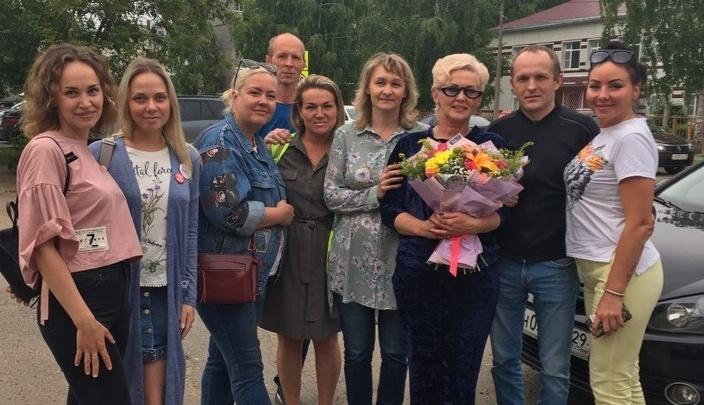 «Сейчас мне надо успокоиться»: в Котласе после 15 суток ареста освободили активистку Анну Шекалову