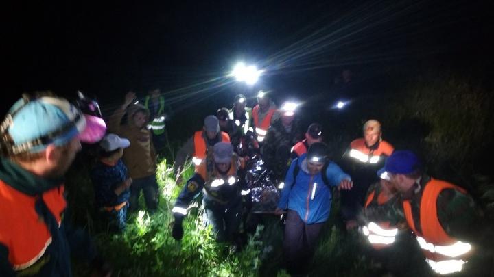 Мужчина, которого пять часов искали в лесу два отряда, умер