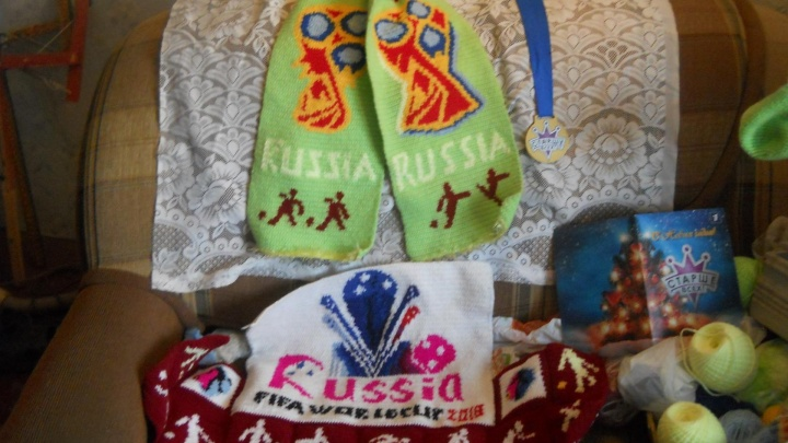 Подвязался к чемпионату: пенсионер из Златоуста приготовил подарок для сборной России