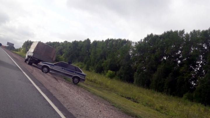 На трассе под Новосибирском появился муляж патрульной машины с надписью «Милиция»