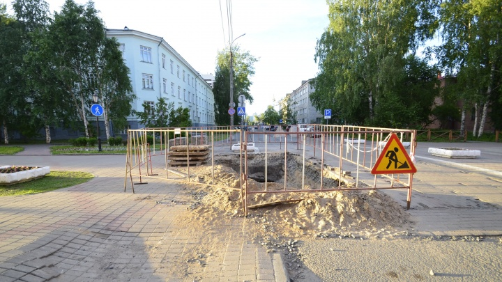В Архангельске из-за ремонтов теплотрассы частично перекрыли движение на двух улицах