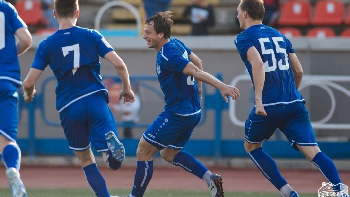 Новосибирские футболисты обыграли «Динамо-Барнаул»