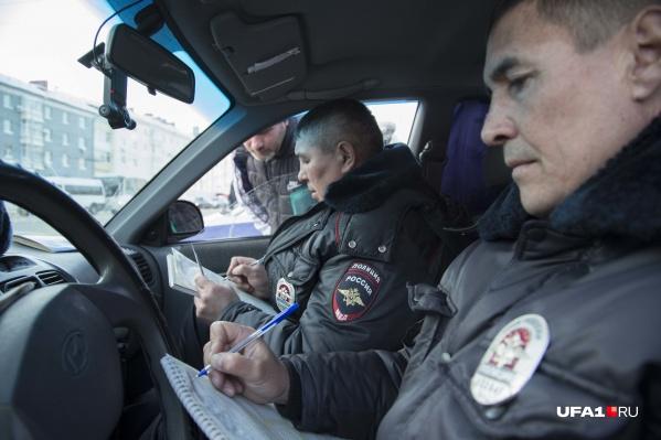 Сотрудники ГИБДД наказывают не только водителей, но и пеших граждан