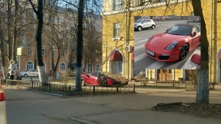 Я паркуюсь, как баран: Ferrari на тротуаре и прочие «неприкасаемые»