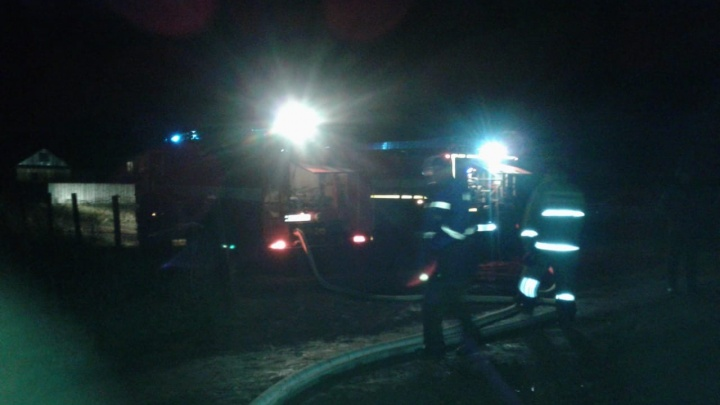 Ночью в селе Красная Горка сгорел вагончик с мужчиной