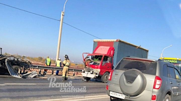Есть жертвы: на трассе Ростов — Батайск грузовик сбил дорожных рабочих