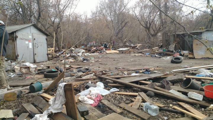 Власти Самары просят автовладельцев забрать не только свои гаражи, но и тонны мусора