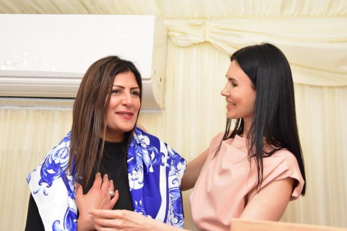 Министр международного развития Великобритании Прит Джилл и дизайнер Нина Ручкина