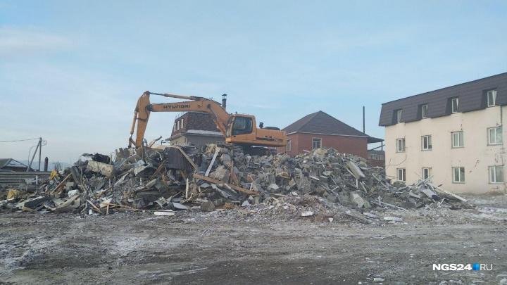 «Нам даже не дали вынести вещи»: дом на Кандагарской сровняли с землей