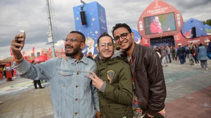 Куда делись болельщики? Матч Египет — Уругвай в фан-зоне Екатеринбурга смотрели всего 2000 человек