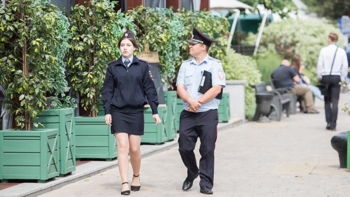 Ростовские полицейские прошлись с проверкой по квартирам