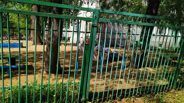 В Курганской области в детском саду на ребенка обрушилась штукатурка. Детсад закрыт