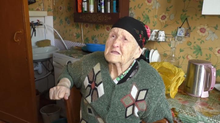 «Мучаюсь и не могу подохнуть»: фронтовичка из Бердска пожаловалась Путину на сгнивший дом